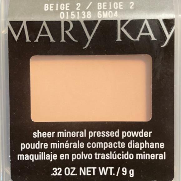 Mary Kay Beige 2 Sheer Mineral Pressed Powder